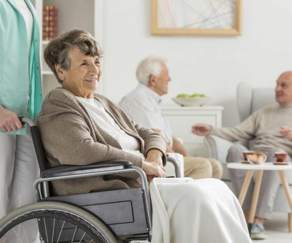 在我國提升社區養老服務管控