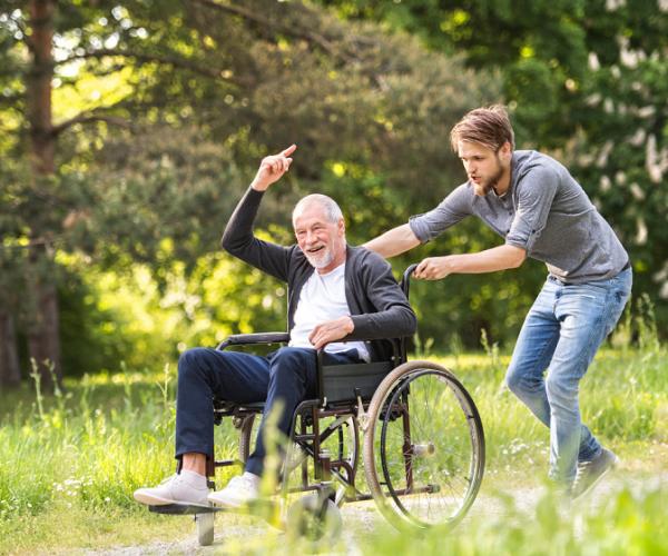 """新式高效率的老人健康服務方式,養老院的潛在性""""競爭對手"""""""